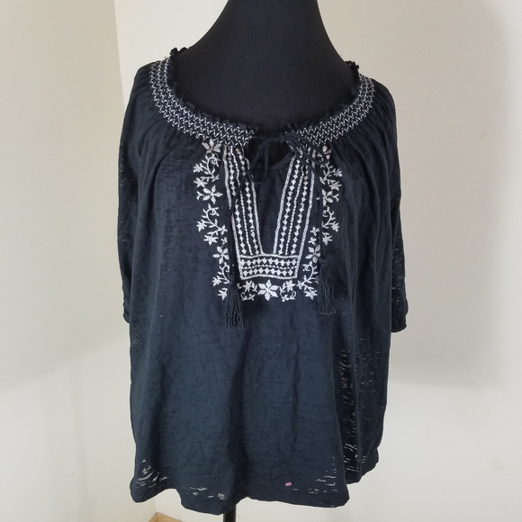 French Laundry Tops - French Laundry Black Top With White Embroidery